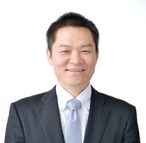 EC物流営業部 課長 王 暁峰